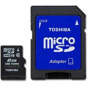 Toshiba 8GB - Micro SD + Adapter